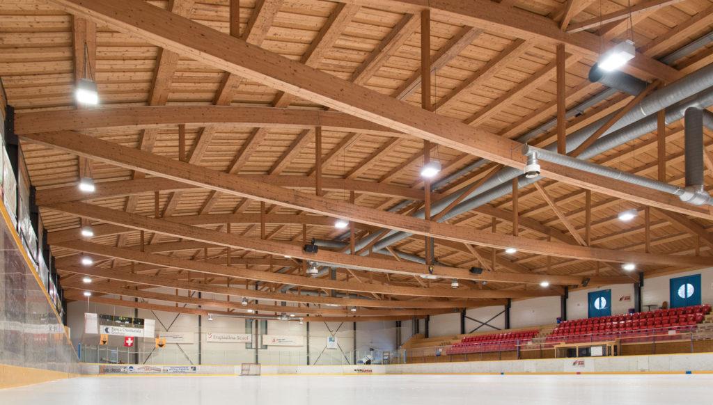Eishalle-Gurlaina-Scuol-Eishockey-1