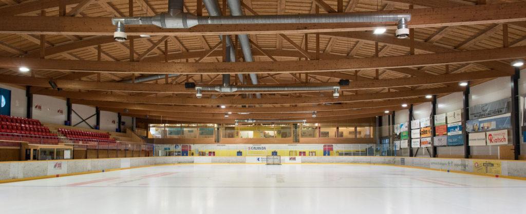 Eishalle-Gurlaina-Scuol-Eishockey-Halle-2