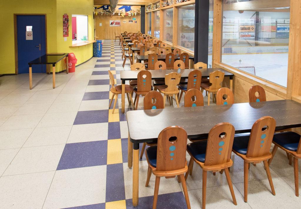 Eishalle-Gurlaina-Scuol-Eishockey-Restaurant-2