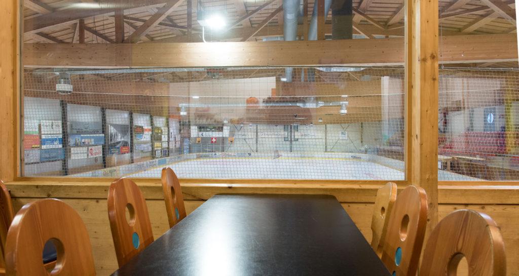 Eishalle-Gurlaina-Scuol-Eishockey-Restaurant-3
